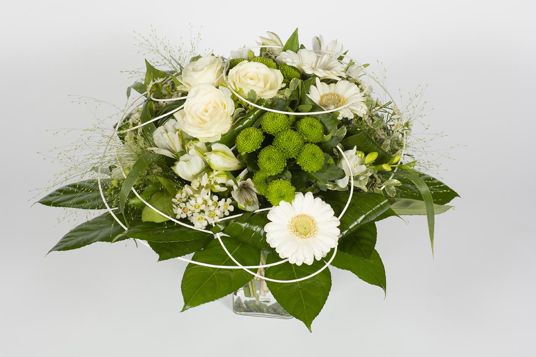 Bouquet rond vert et blanc chlorophylle livraison for Bouquet de fleurs rond