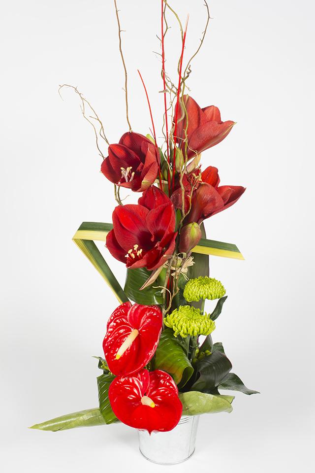 composition florale hauteur exotique rouge patchouli livraison fleurs le mans. Black Bedroom Furniture Sets. Home Design Ideas