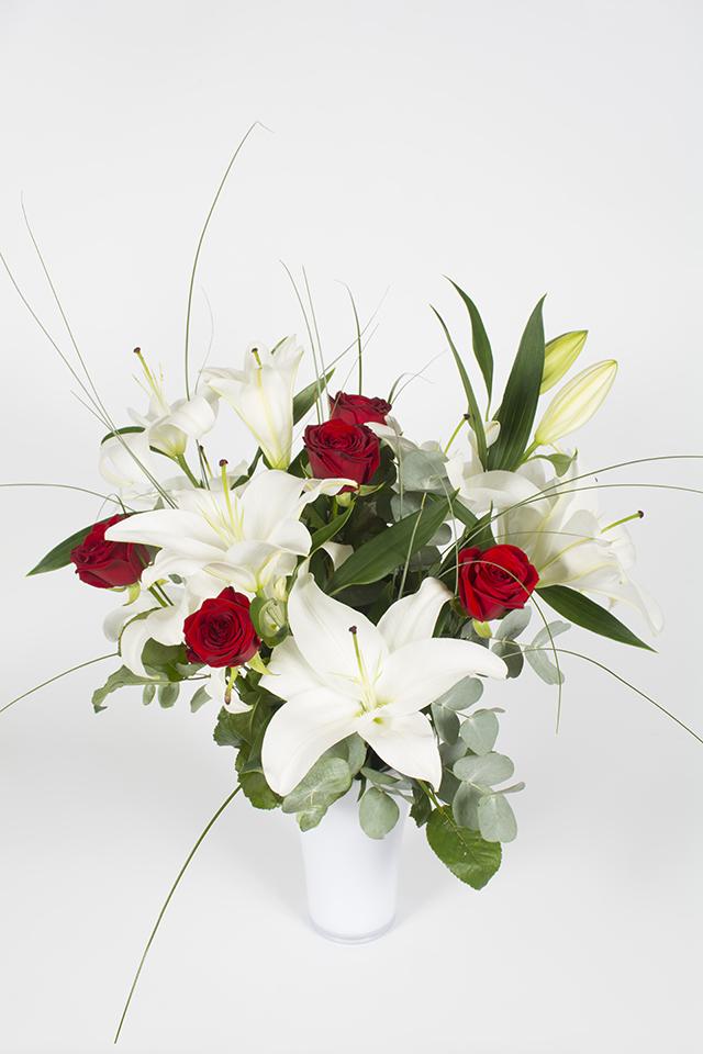 Bouquet Hauteur Lys Blanc Et Rose Coco Livraison Fleurs Le Mans
