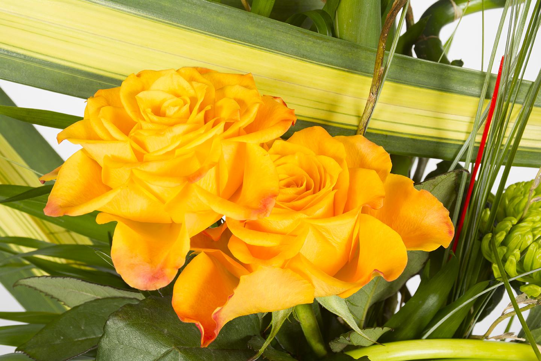 bouquet lin aire jaune et orange mangue livraison fleurs le mans. Black Bedroom Furniture Sets. Home Design Ideas