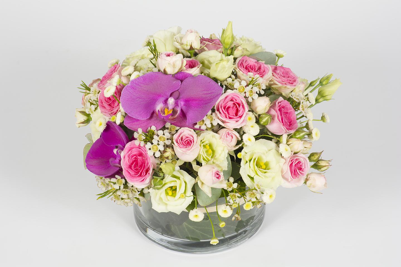 composition florale ronde parme et rose am thiste livraison fleurs le mans. Black Bedroom Furniture Sets. Home Design Ideas