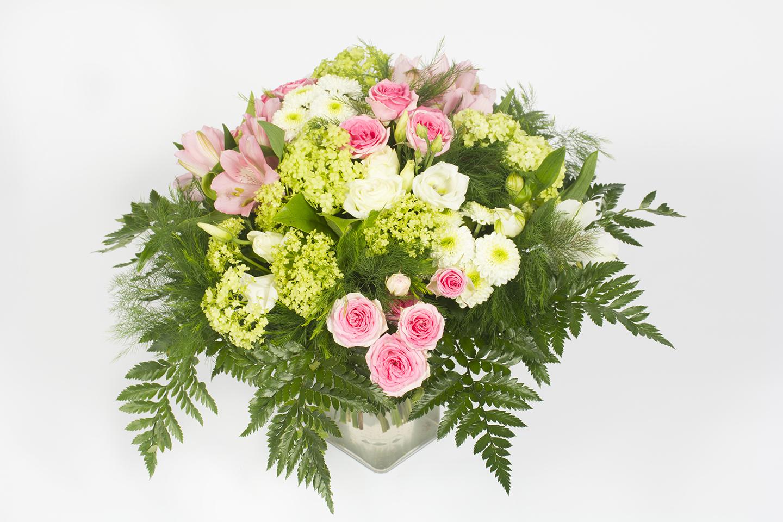 Livraison fleurs 4h excellent bouquet de roses arcenciel for Livraison fleurs demain